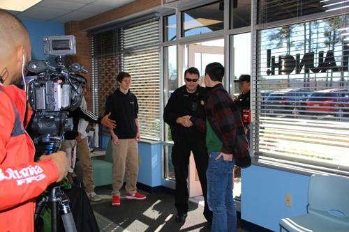 Ben Lippen business students welcome sheriff's deputies.