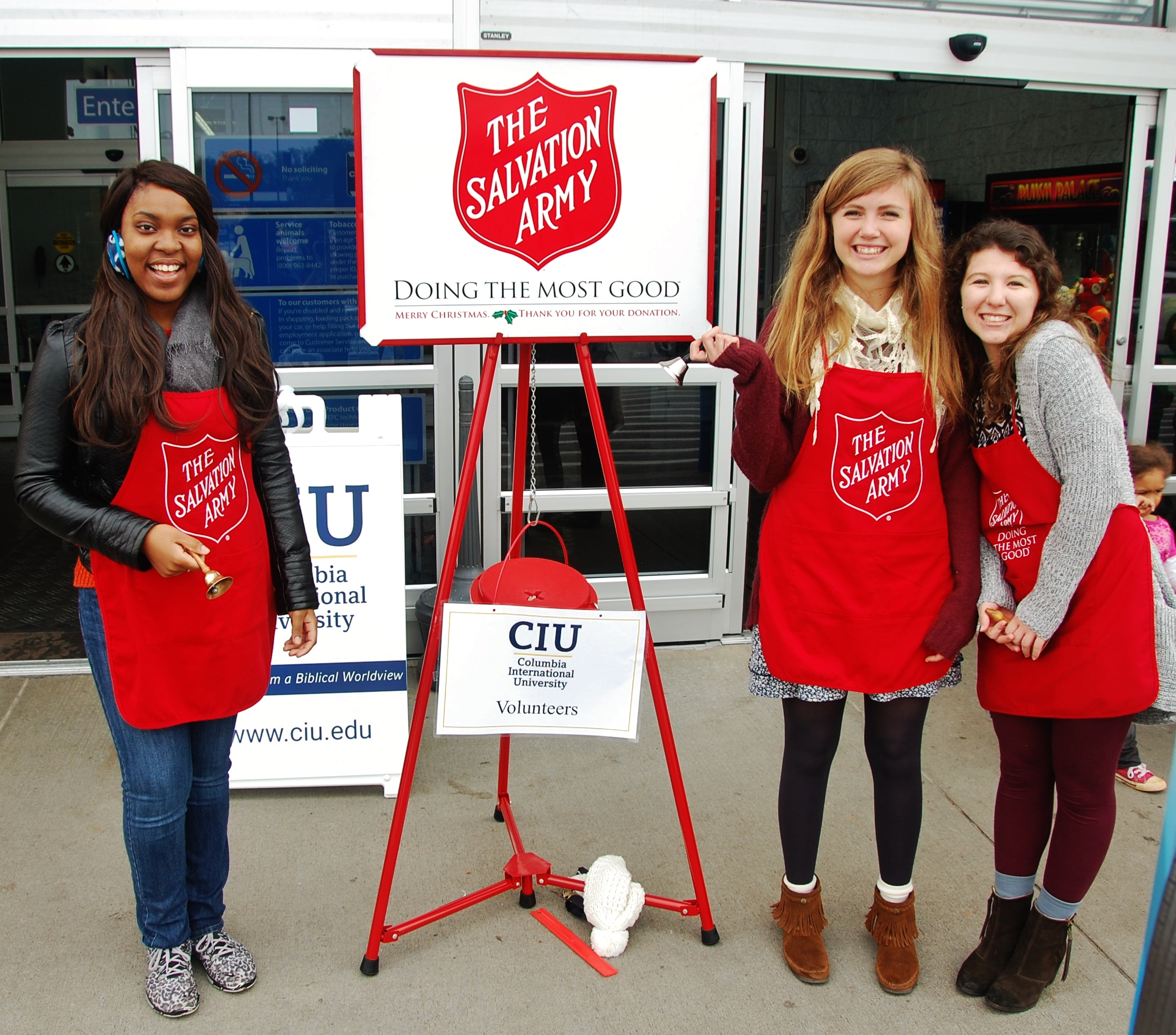 CIU students volunteering with the Salvation Army.