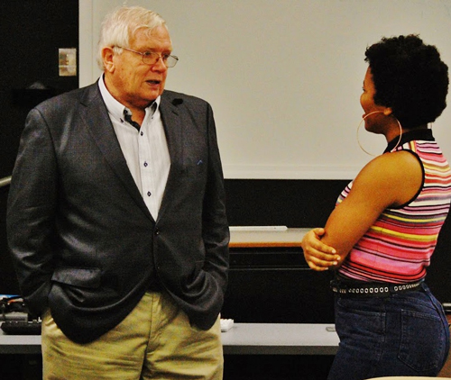Dave Roberts chats with a CIU student.