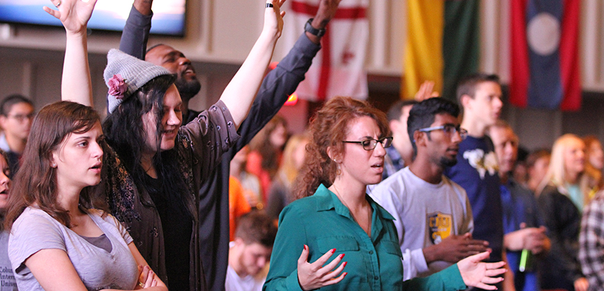 A photo of CIU students worshipping during chapel service.
