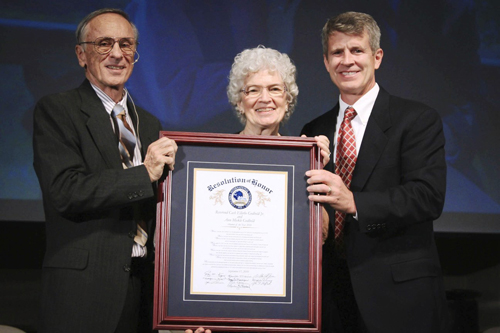 Cash and Anne Goldbold receive a resolution honoring them from CIU President Bil