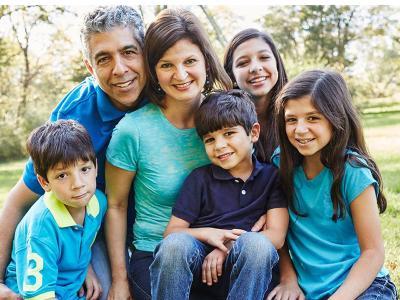 CIU alumnus Omar Hamada and family
