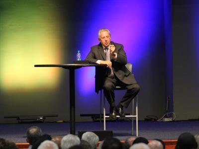 Leadership expert John Maxwell