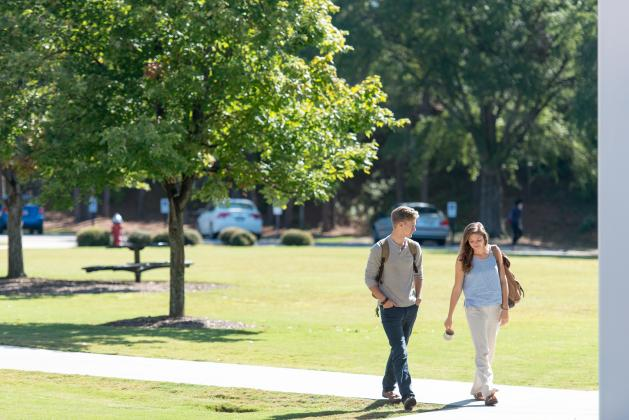 Students walking on campus at CIU