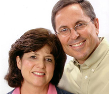 A photo of Steve and Arlene Richardson, CIU alumni.