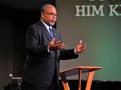 Ken Blackwell speaks to CIU students in Shortess Chapel.